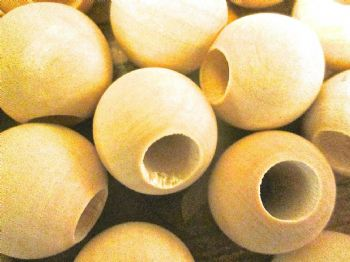 25mm Plain Unfinished Wood Beads with 10mm hole